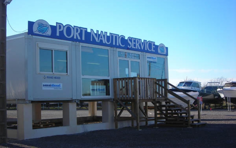 Port Nautic Service - Agde- stand d'accueil