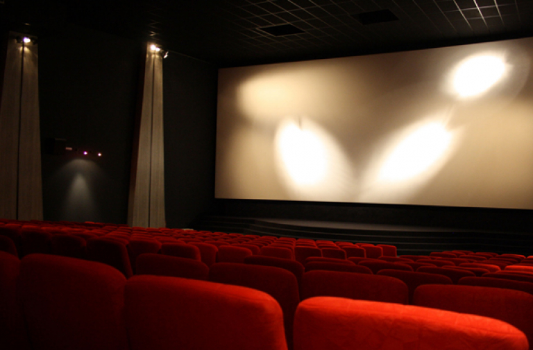 CINEMA LE TRAVELLING